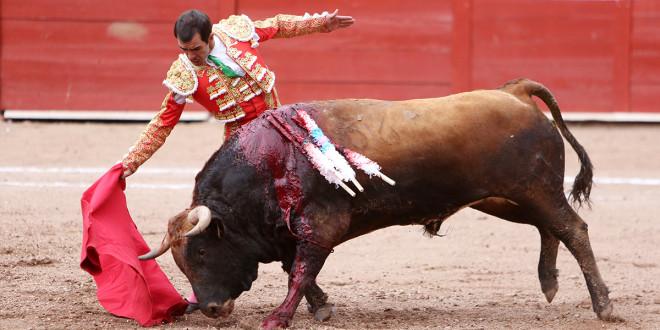 Triunfan Macías y El Rifao en Altzayanca
