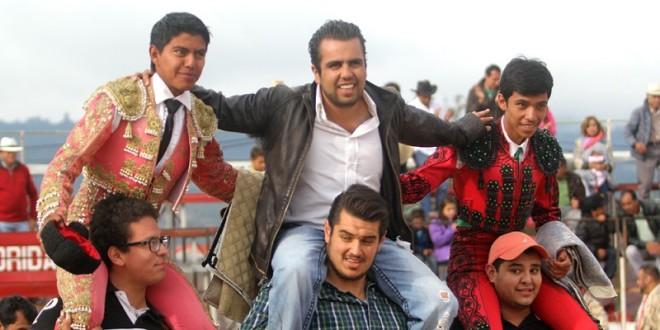 Interesante y triunfal novillada en Tlaxco