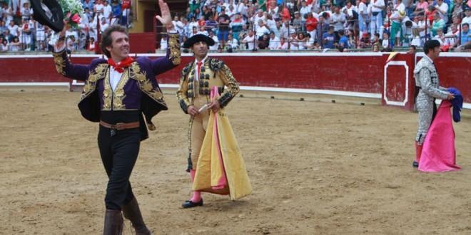 Hermoso de Mendoza imparable; triunfa en Tafalla