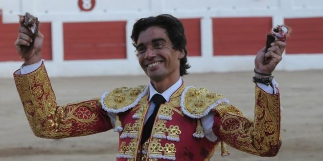Díaz, Fandiño y Luque, a hombros en Linares