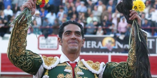 Orejas y rabo para Ignacio Garibay