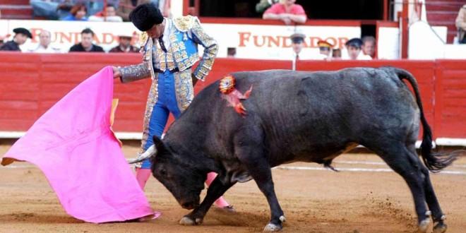 Apoteosis en Huamantla; Angelino indulta un toro