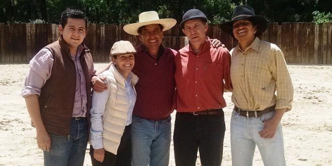 Rejoneador Fraga estrena finca y celebra tienta en el estado de México