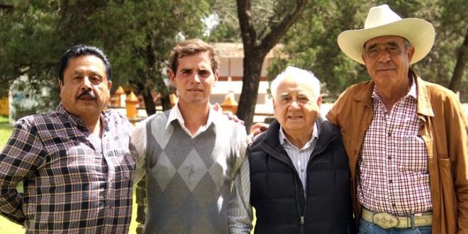 Tienta Joselito Zavala con Juan Huerta