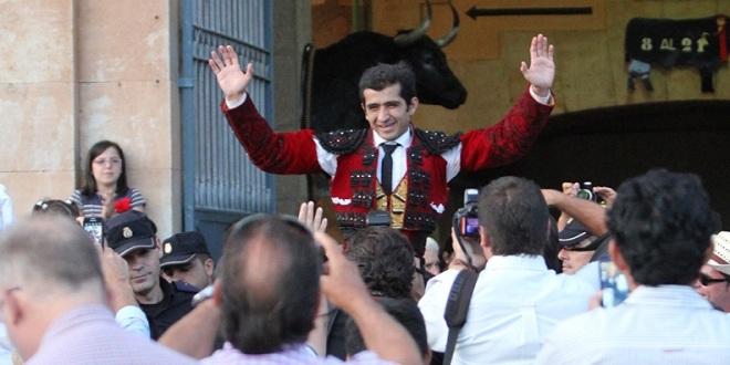 Mexicano Adame, a hombros en coso español de Salamanca