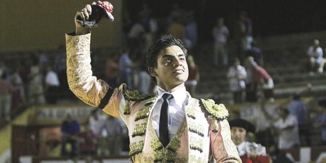 Corta mexicano Gerardo Rivera oreja en España