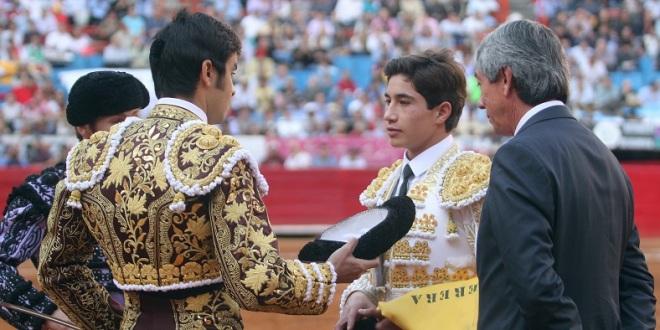 Triunfos de 'Armillita IV' y Perera en la Plaza México