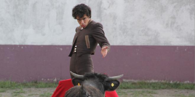 Abreva novillero Héctor Gabriel de la tauromaquia del maestro 'Zotoluco'