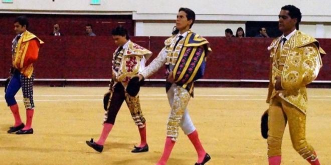 Corta oreja Garibay en la inauguración del Coliseo Yucatán