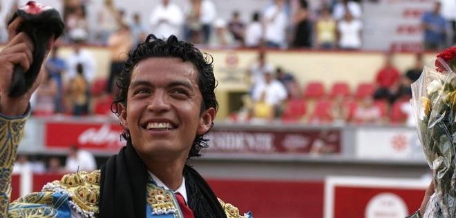 Regresa Téllez a nuestro país tras cornada en Colombia