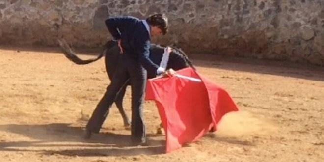 Michelito tienta y se prepara en la ganadería de Marco Jiménez para próximas fechas