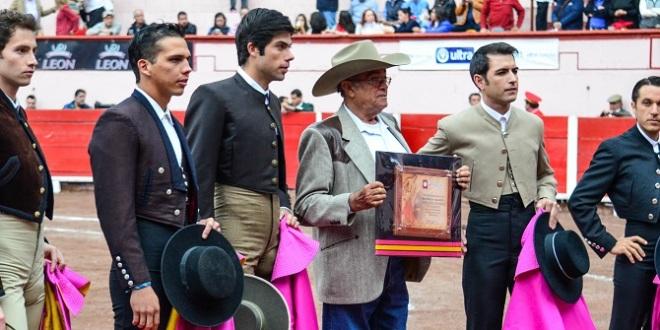 Barba, Macías, Sánchez y Saldívar, orejeados