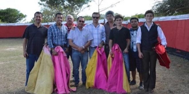Tientan los hermanos Lagravere en el campo bravo yucateco
