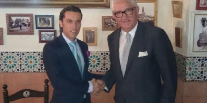 Fabián Barba es apoderado en España por Lázaro Carmona