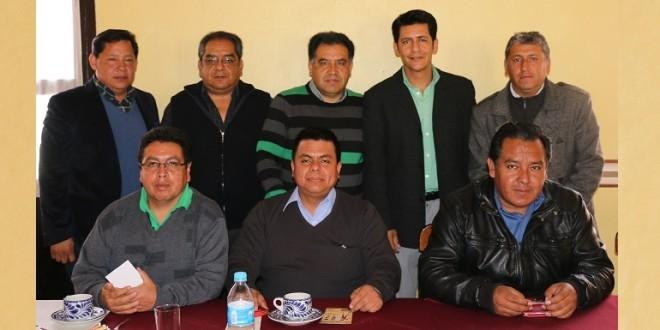 Convive 'El Zapata' con miembros del clero