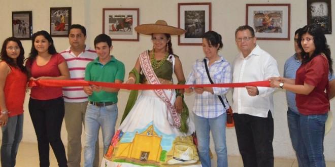 Inauguran exposición fotográfica de EDUARDO PUERTO