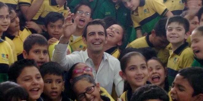 Arturo Macías transmite la magia del toreo a los niños (*Fotos*)