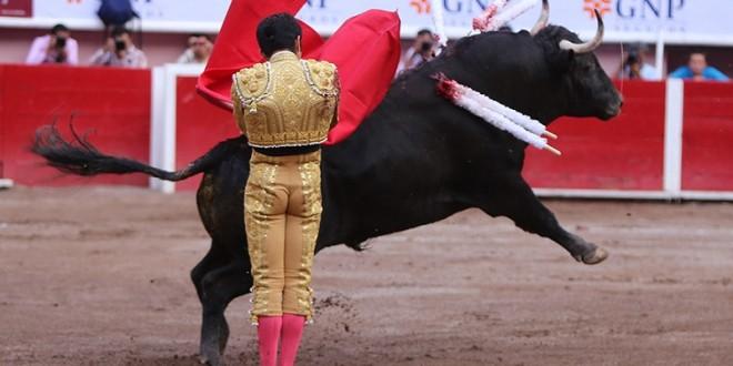 Esforzada salida a hombros de Joselito