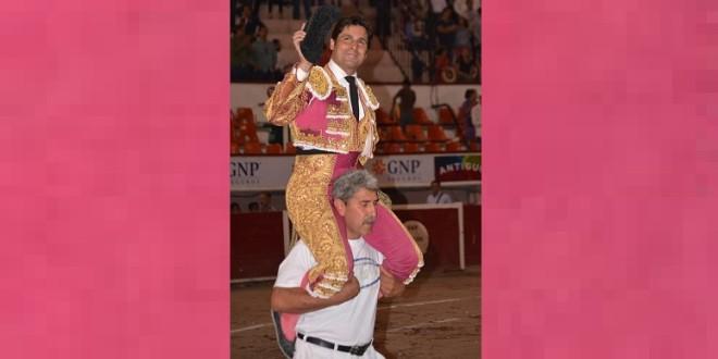 RIVERA ORDÓÑEZ hizo el toreo acariciando