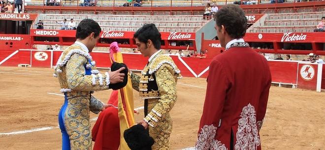 Triunfos de Sánchez y Hermoso de Mendoza en ALTERNATIVA de Lomelín