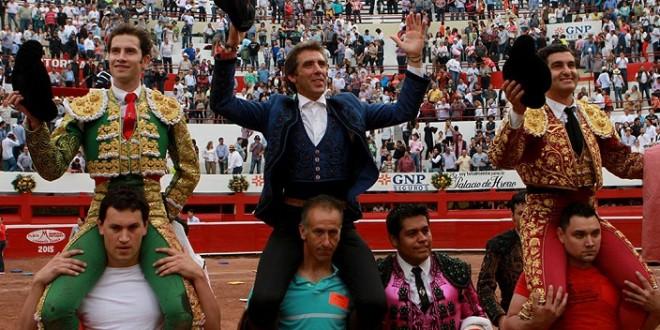 Hermoso, Morante y Saldívar, A HOMBROS EN MONTERREY