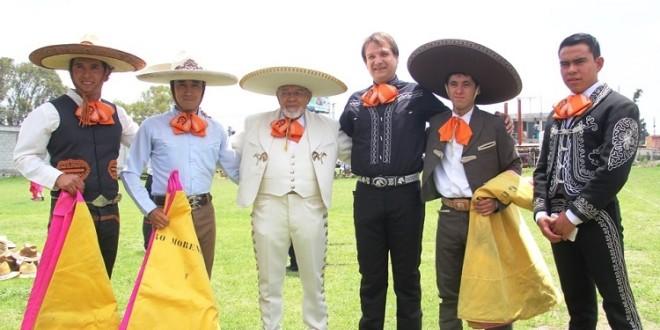 Todos, al tercio en festival charro taurino de Puebla (*fotos*)
