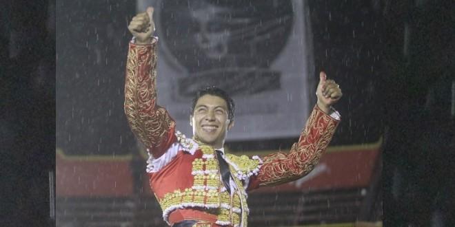 CORTA Sergio Flores DOS OREJAS en Puebla