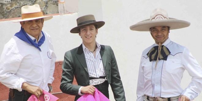 ESCOBEDO, con Directores Escolares del País