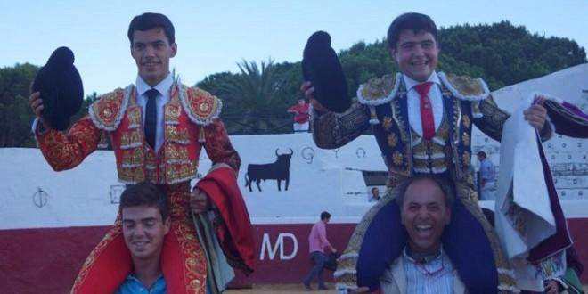 LM CUÉLLAR, TRIUNFAL debut ESPAÑOL con salida a HOMBROS