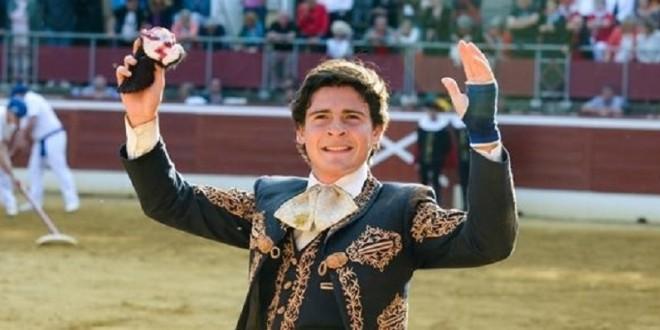 Actuará Michelito Lagravere en Cetto