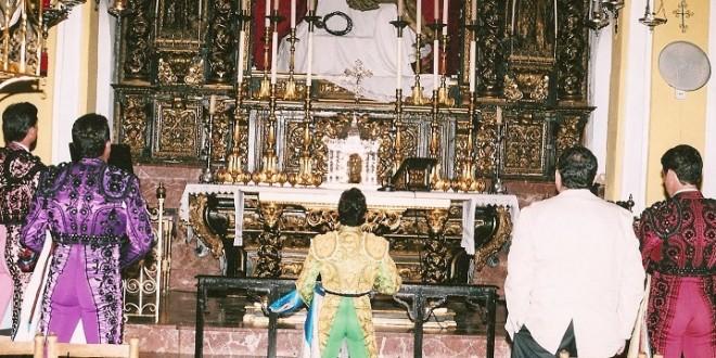 Misa en memoria de la esposa del sastre Girón y de Reynaldo Torres