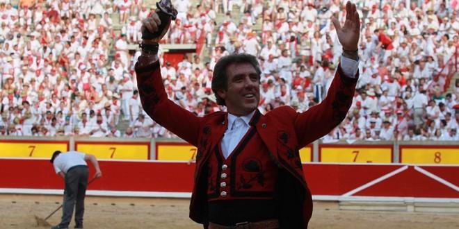 Solitario apéndice para Hermoso de Mendoza en PAMPLONA