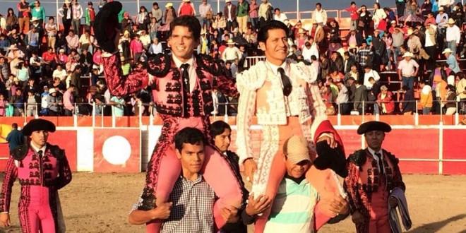 Salen a hombros 'EL ZAPATA' y 'EL CHIHUAHUA'