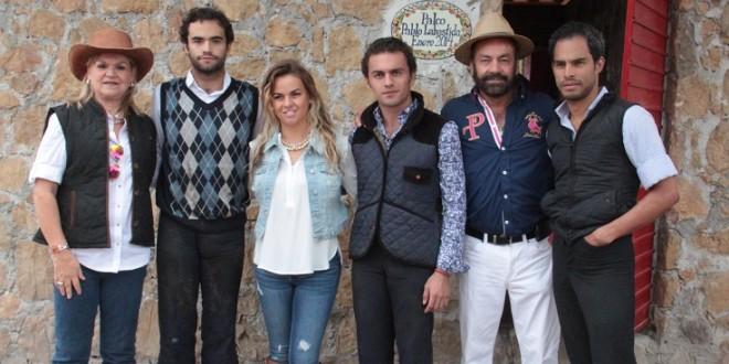 Tientan MACHOS y HEMBRAS en Cerrito de Corzo