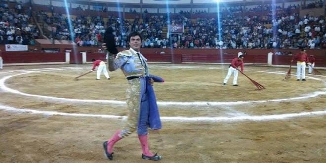 Fermín Rivera, profeta en su tierra, corta dos orejas