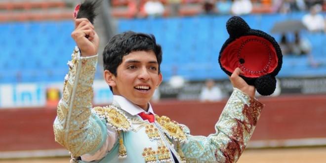 PLAZA MÉXICO: Gutiérrez, dos orejas; LM CUÉLLAR, cornada (Parte médico)