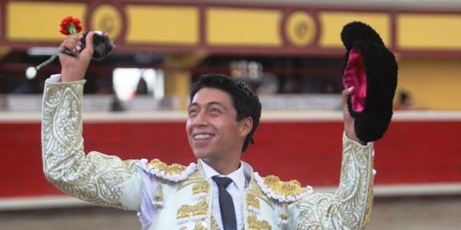 Sergio Flores triunfa en Teziutlán (*Fotos*)