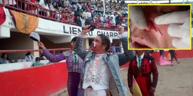 FRESNILLO: Tres orejas y PUNTAZO en el rostro a RODRIGO SANTOS