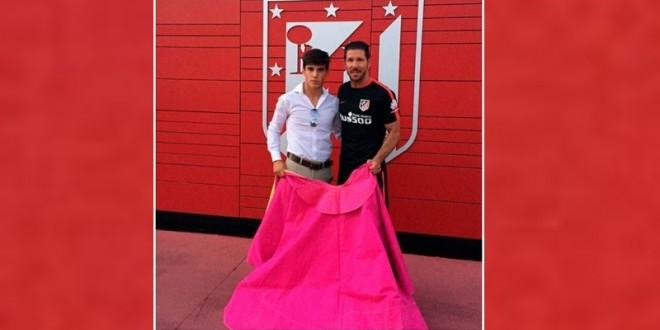 DIEGO SIMEONE desea suerte a GONZALO CABALLERO en la PLAZA MEXICO