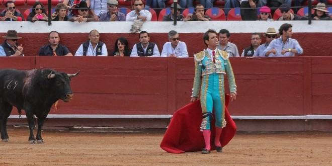 ARTURO MACÍAS, con el ánimo intacto tras… ¡19 CORNADAS Y 8 FRACTURAS!