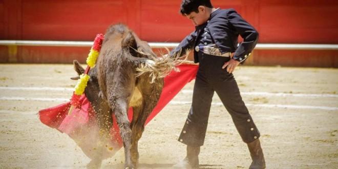 PERMITE AMPARO torear a niños en público en la CIUDAD DE MÉXICO