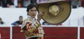 Roca Rey se lesionó una mano y no actuará en México
