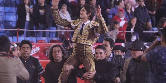 PLAZA MÉXICO: Triunfa Castella en un buen toro de regalo de La Joya (*Fotos*)