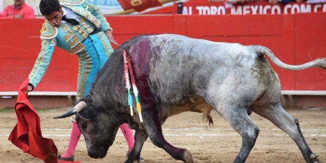 Gerardo Rivera sustituye a Arturo Macías en la Feria de Tlaxcala