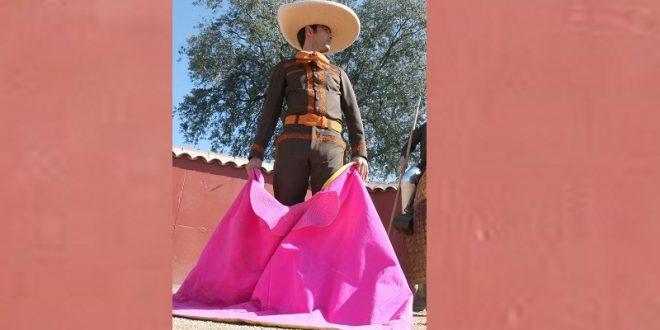 Arturo Macías se resguarda en su rancho
