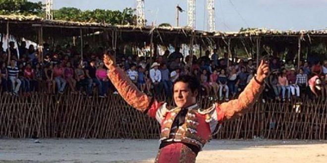 Orejas y rabo a Angelino de Arriaga, en Tixkokob, Yucatán