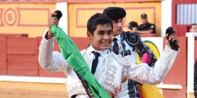 Llama la atención el debut formal de Alejandro Adame
