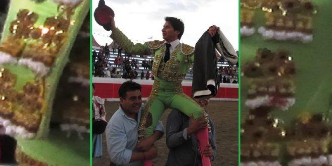 Sale a hombros Gabriel Sánchez 'El Gaby'