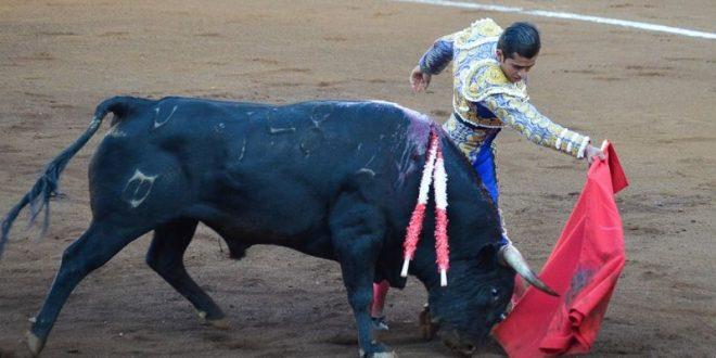 Adame, a hombros en Querétaro
