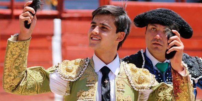 JESUS MARÍA: Tres orejas, trofeo en disputa y paseo en hombros para Diego Sánchez (*Fotos*)
